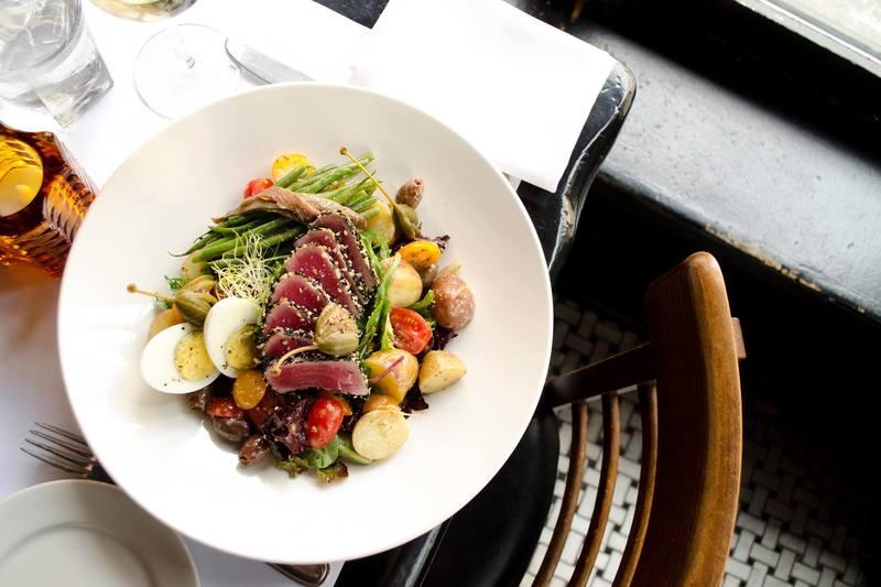 Délicieuse salade de viande dans Modavie restaurant